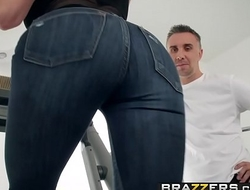 Brazzers - Brazzers Exxtra -  Personal Trainers Session 3 scene starring Kendra Lust and Keiran Lee