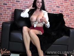 Milf big boobs wanks in nylon and heels