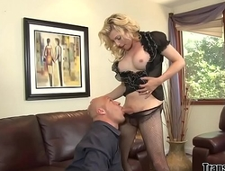 Busty blonde tranny Tyra Scott